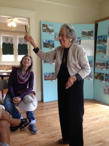 Ann Schandelmayer speaking at the Fort Lauderdale Junior Woman's Club about her friendship with Annie Beck